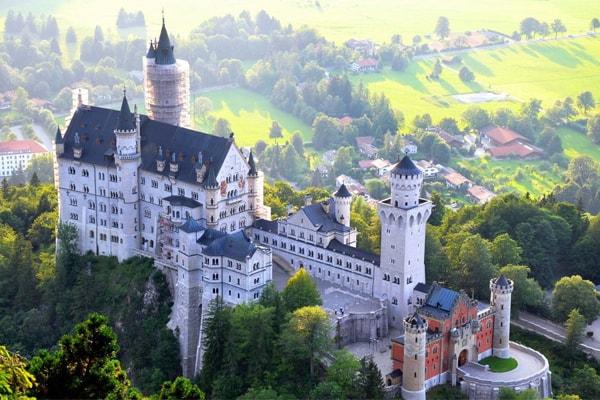 Lâu đài Neuschwanstein ở Đức
