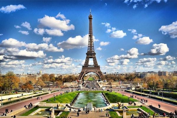 Thành phố Paris hiện đại