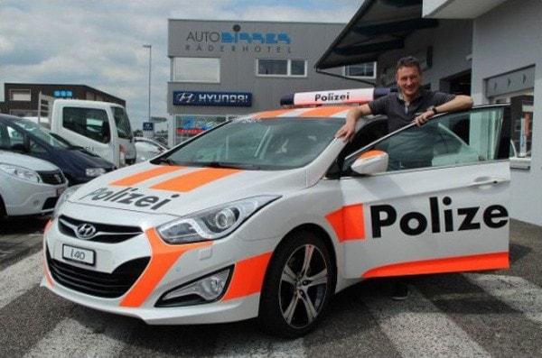 Dịch vụ thuê xe oto cảnh sát chống trộm